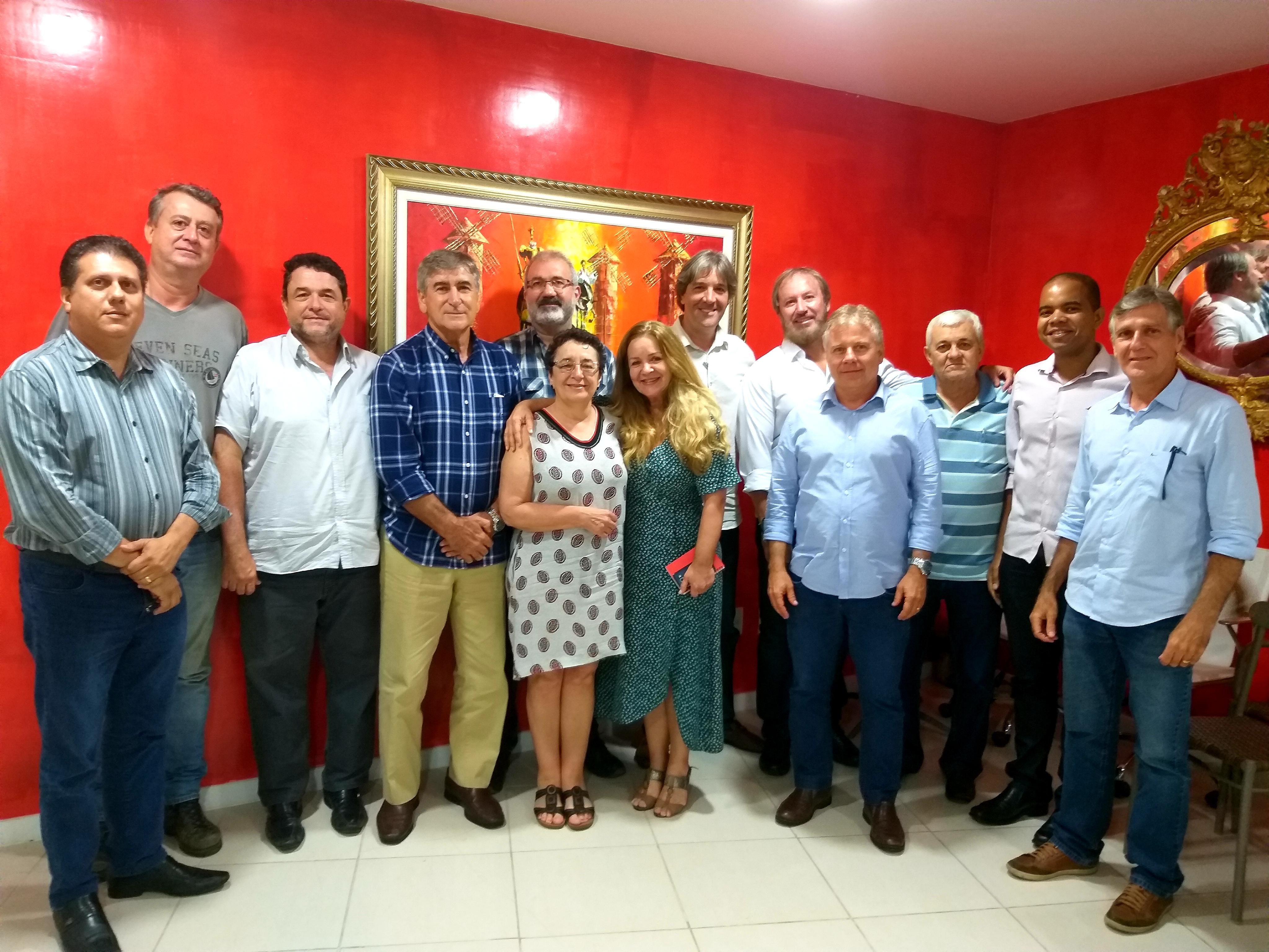 Presidenta do Consello da Cultura Galega em visita ao Clube Espanhol